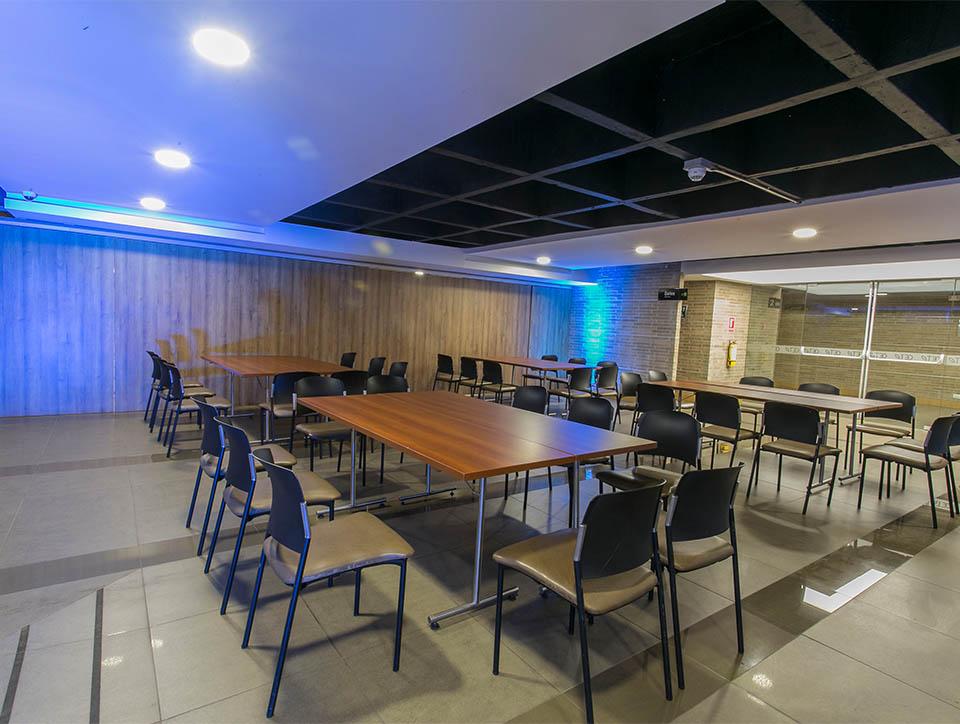 hall-2-banquete-capacidad-70-01