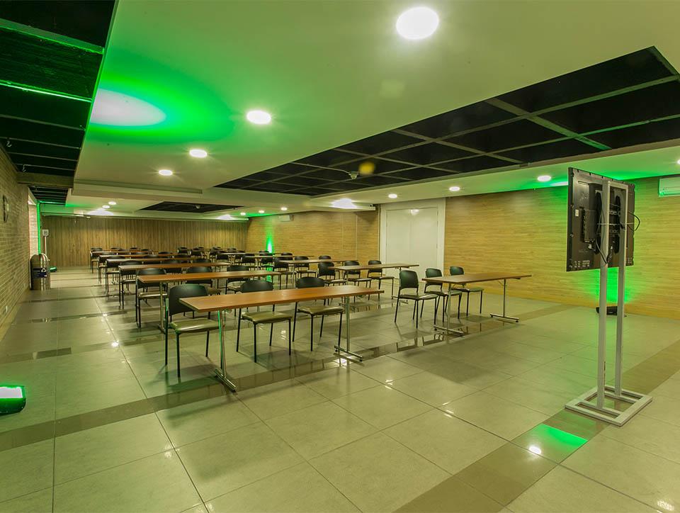 hall-3-escuela-capacidad-70-01