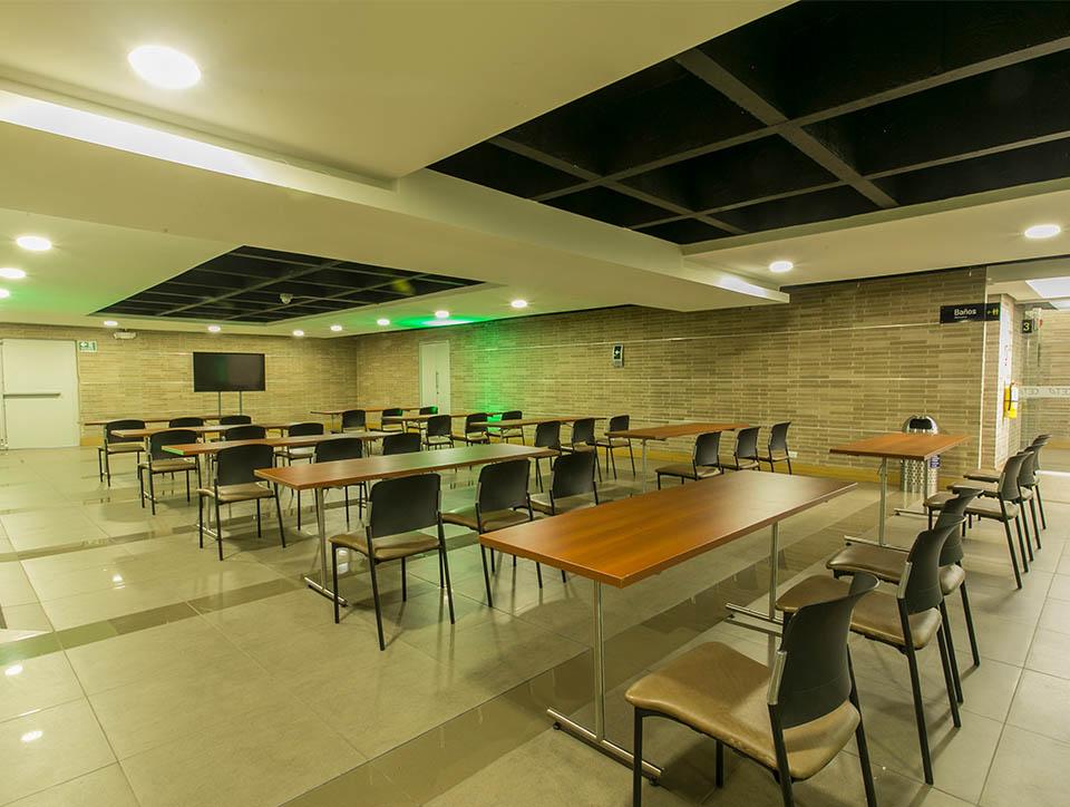 hall-3-escuela-capacidad-70-04