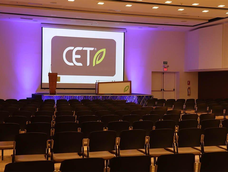 salon-1-auditorio-capacidad-400-02