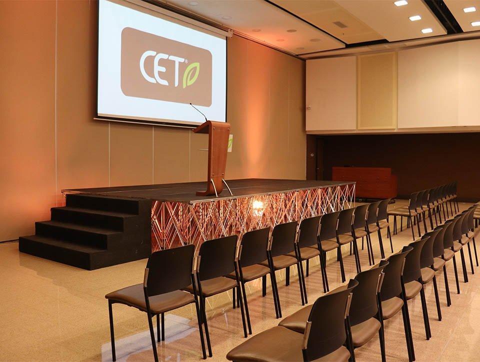 salon-2-auditorio-capacidad-340-05