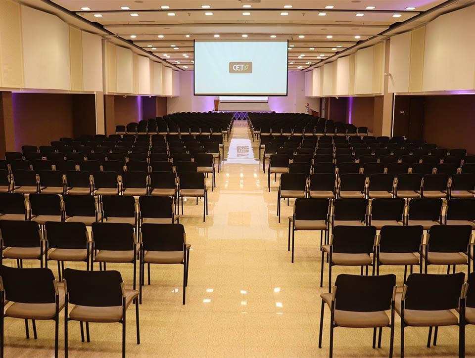 salon-2y3-auditorio-capacidad-750-06