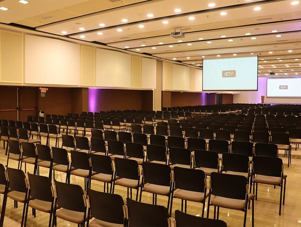 salones-2-3-auditorio-capacidad-750px-01