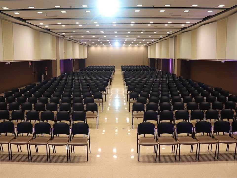 salones-2-3-auditorio-capacidad-750px-02