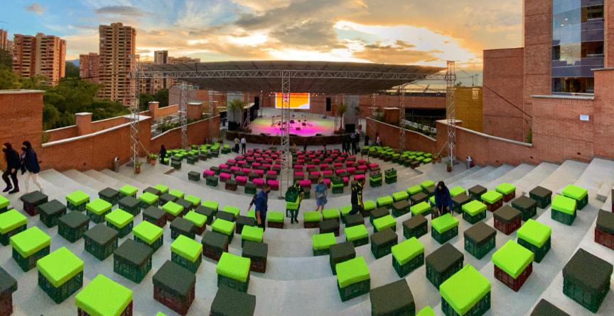 Teatro - Parque Comercial El Tesoro